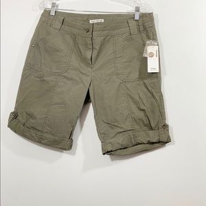 NWT Dalia women's Cotton cargo shorts